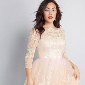 Mod Cloth Chichi London Gilded Grace Lace Dress
